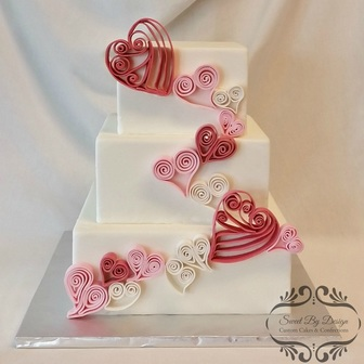 Quilled fondant heart square wedding cake