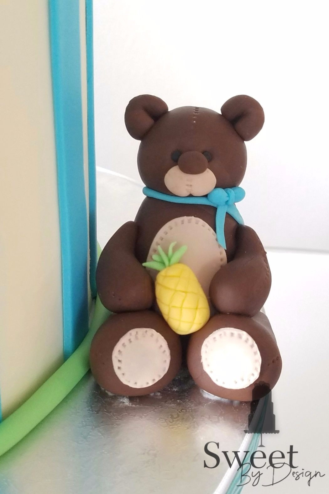 Fondant teddy bear by Sweet By Design in Melissa, TX